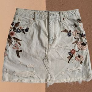 Abercrombie & Fitch Embroidered Boho Skirt Size 4